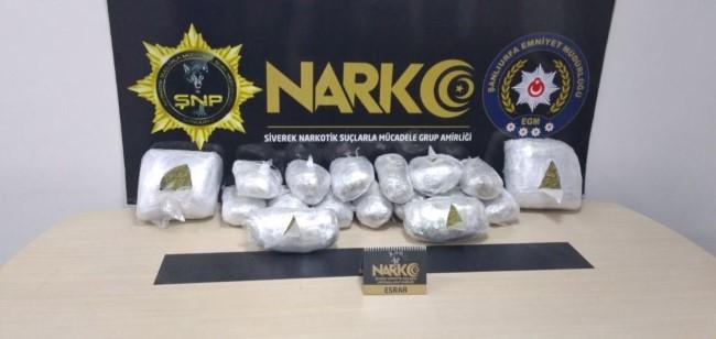 İstanbul'a götürülmek istenen 22 kilo uyuşturucu Şanlıurfa'da ele geçirildi