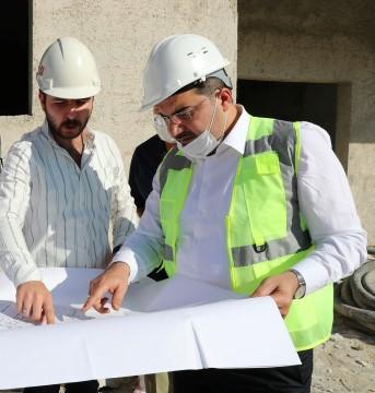 Canpolat yapımı devam eden zabıta amirliği inşaatını inceledi