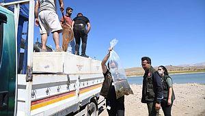 Kayseri'de 2021 yılında göl ve göletlere 678 bin yavru balık bırakıldı ( Video Haber )