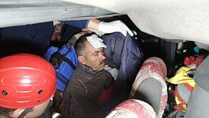 Mevsimlik tarım işçilerini taşıyan minibüs tıra arkadan çarptı: 2'si bebek 17 yaralı ( Video Haber )