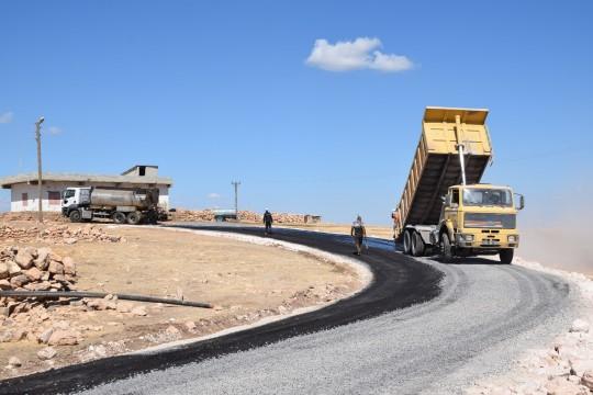 Viranşehir'de kırsal mahalleler asfaltlanıyor