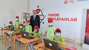 'Yarını kodlayanlar' projesinden köy okullarına teknoloji sınıfları
