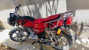 Şanlıurfa'da motosikletin çalınma anı kameraya yansıdı ( Video Haber )