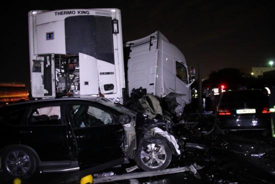 4 aracı biçen tır, 6 kişiyi öldürdü 3 kişiyi yaraladı