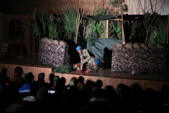 Haliliye Belediyesi tiyatro ekibi, izleyenleri duygulandırdı