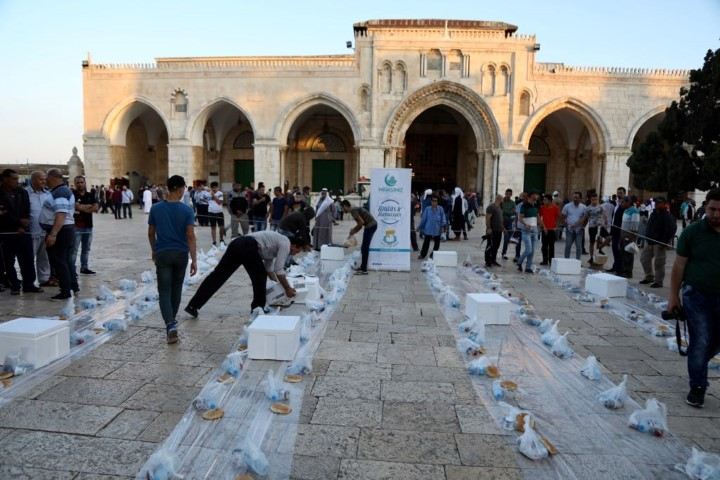 Demirkol, Kudüs'teki Müslümanların yanında oldu
