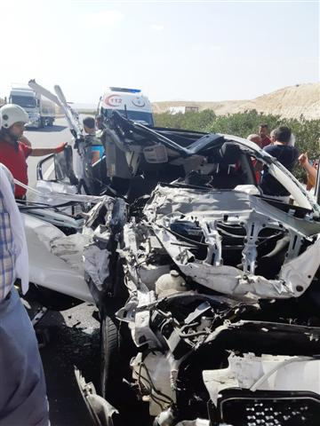 Şanlıurfa'da otomobil tıra arkadan çarptı: 1 ölü, 3 yaralı