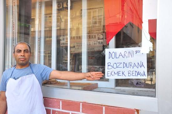 """rnCumhurbaşkanı'nın """"dolar ve altın bozdurun"""" çağrısına Ceylanpınar esnafından destek"""
