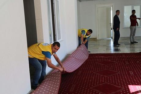 Haliliye'de kurumların halı ihtiyacı karşılandı