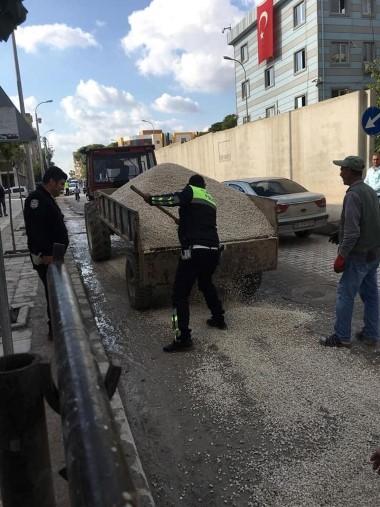 Sosyal medya Akçakale'deki polis memurunu konuşuyor