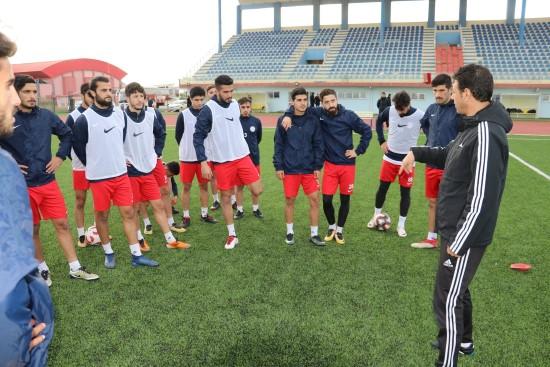 Karaköprüspor'da Hüseyin Dağ ilk antrenmanına çıktı
