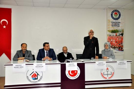 """Akçakale'de """"Gazeteciliğin toplumdaki yeri"""" konulu panel"""