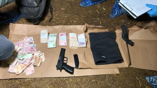 Silahla banka soyan zanlı yakalandı