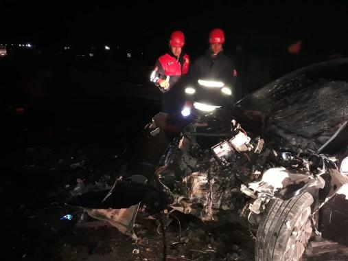 Tırla çarpışan otomobilin sürücüsü öldü
