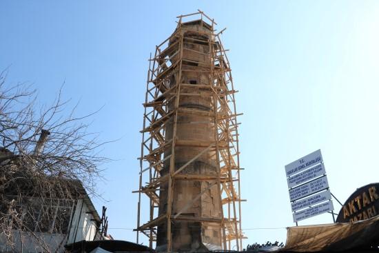 Dipsiz minareli camide restorasyon devam ediyor