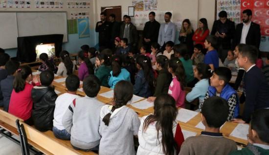 Şanlıurfa'da çocuklara 'Karagöz Ve Hacivat' oyunu sahnelendi