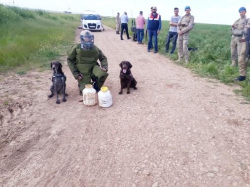 Sınırda 20 kilogram patlayıcı ele geçirildi