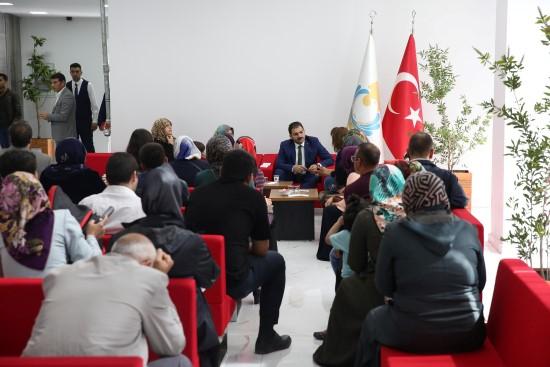 Canpolat halk günü toplantısında vatandaşlarla görüştü