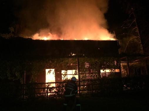 Şanlıurfa'da bir iş yerinde çıkan yangın söndürüldü
