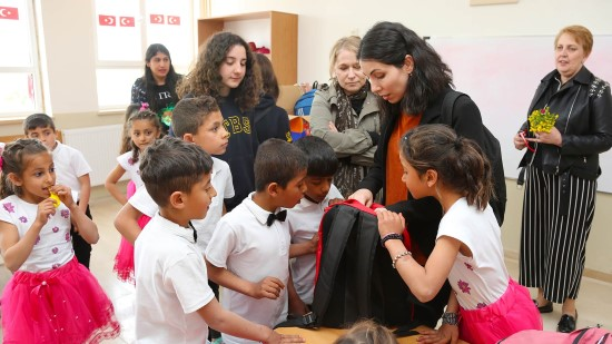 Şanlıurfa Yediyol İlkokulu çocuklarının dilekleri gerçek oldu