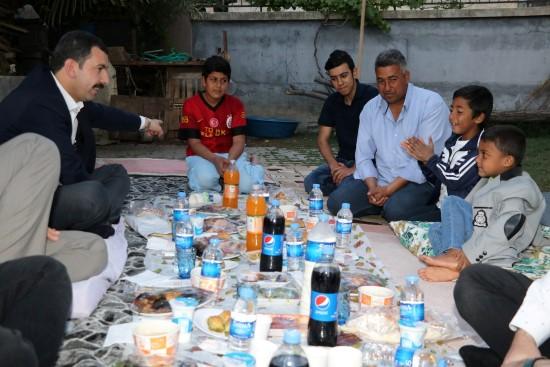 Baydilli vatandaşlarla iftarını açtı