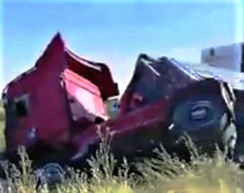 Tır ile traktör çarpıştı: 2 yaralı