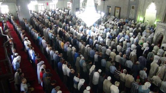 Peygamberler diyarında Ramazan'ın son cuma namazı kılındı