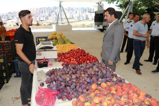 Karaköprü'de semt pazarı hizmete sunuluyor