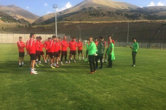 Karaköprü Belediyespor Erzurum'da kampa girdi