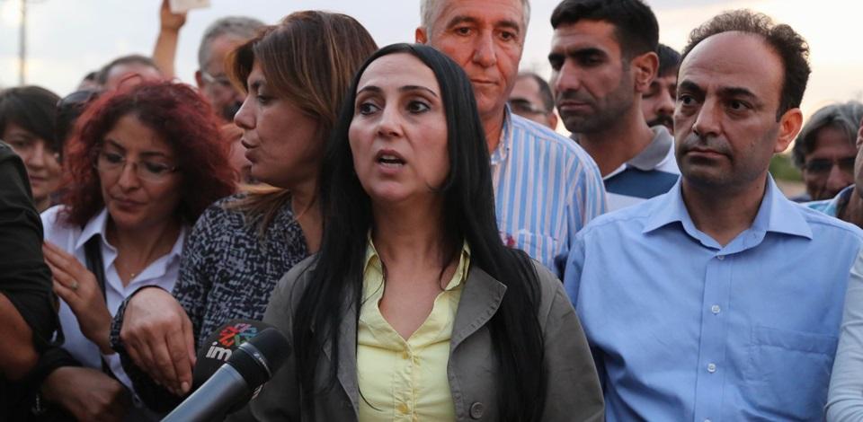 Yüksekdağ ve Baydemir Suruç ve Kobani'yi ziyaret etti