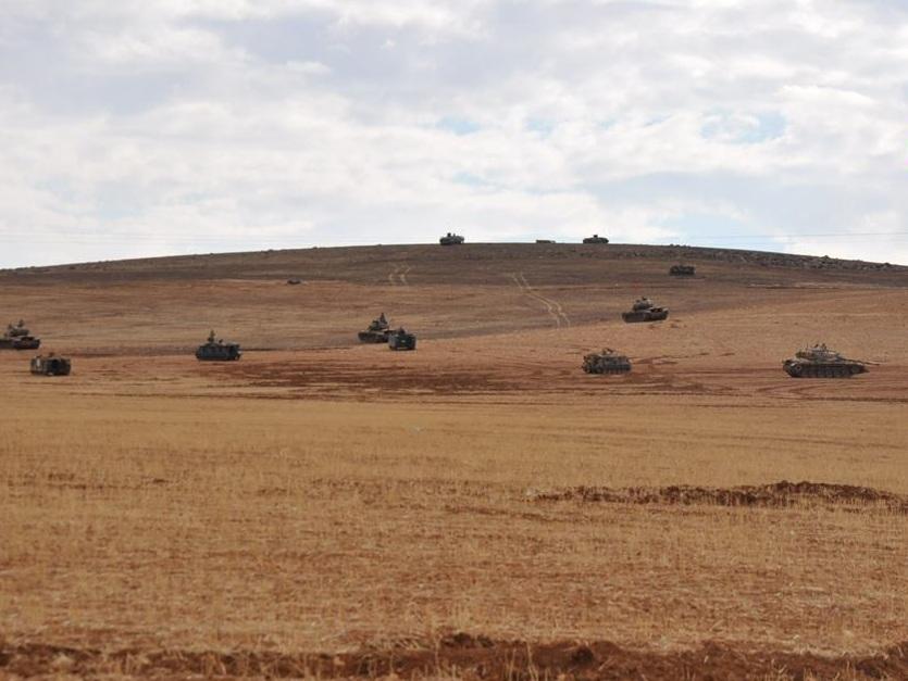 Suriye Sınırında Türk Tankları hareketlendi