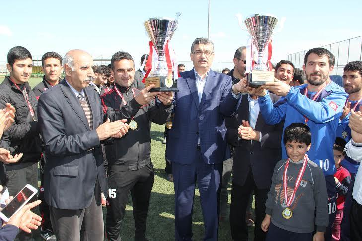 Amatör Lig\'de Güvenspor ve 11 Nisan Spor şampiyon oldu