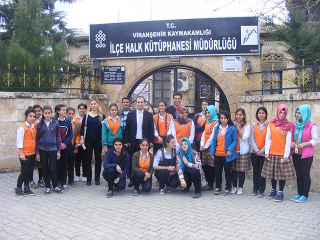 Hadi Kutlu Okulu Viranşehir Halk Kütüphanesini ziyaret etti