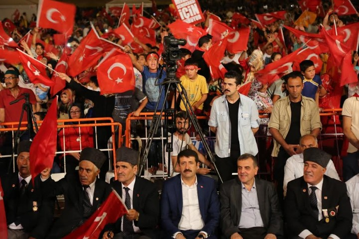 Başkan ekinci binlerce vatandaşa seslendi