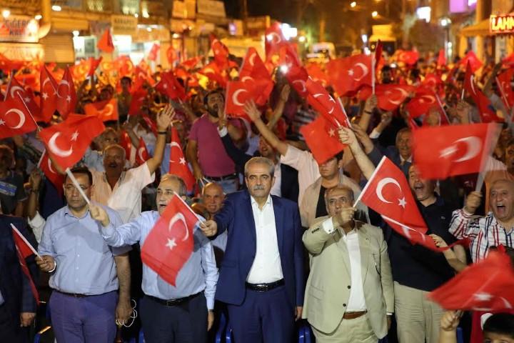 Haliliye?den Viranşehir?e demokrasi nöbeti
