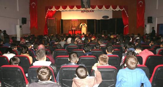 Şehir tiyatrosu Harran'da