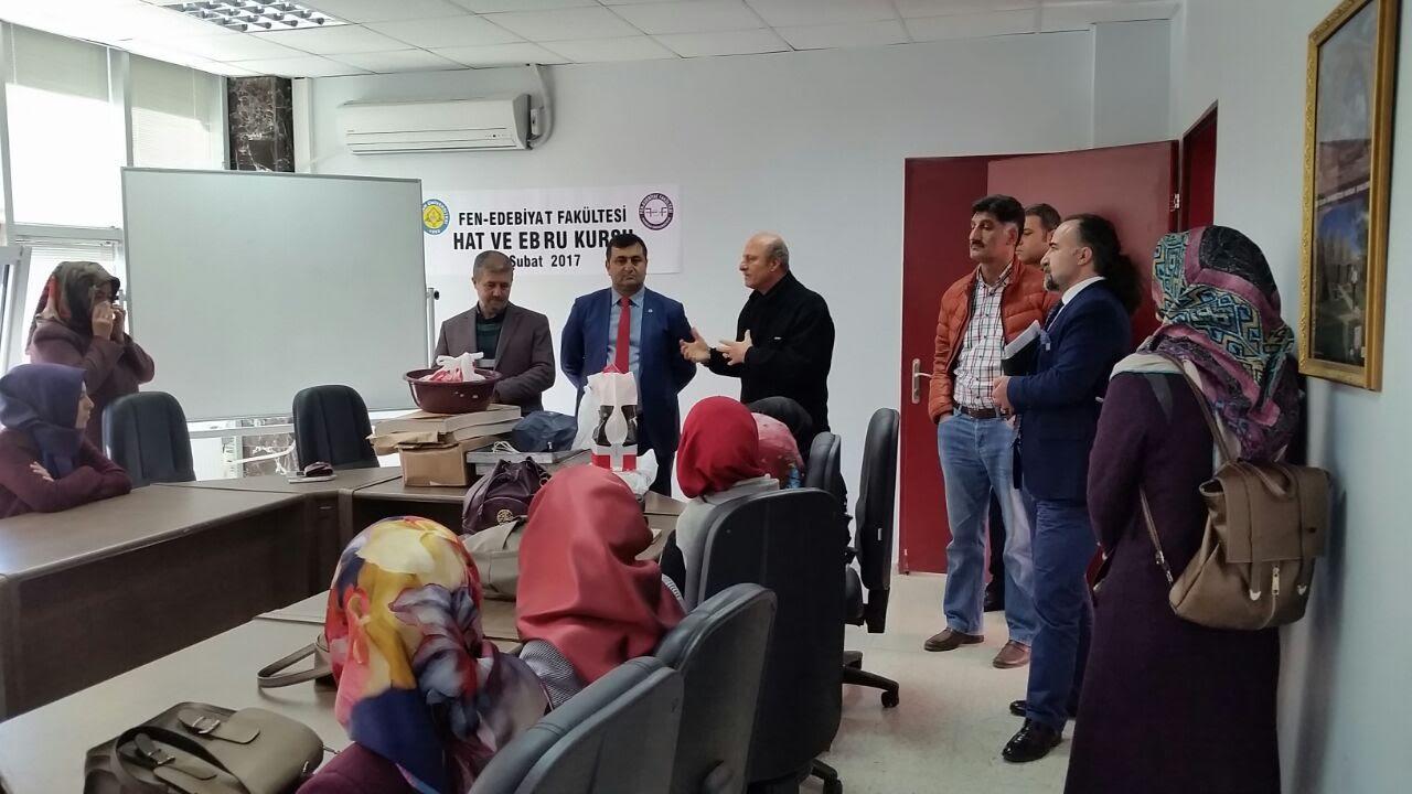 Harran Üniversitesi'nde Ebru ve Hat sanatı kursu açıldı