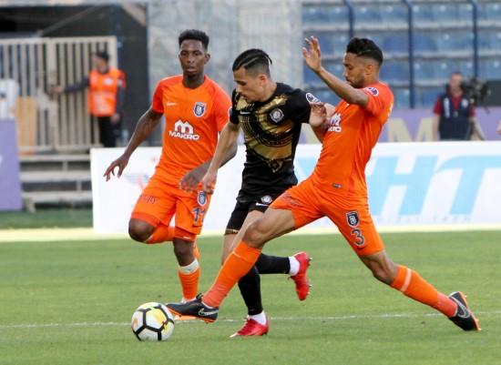 Osmanlıspor: 1 - Medipol Başakşehir: 4
