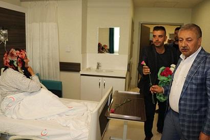 Birecik Belediye Başkanı Pınarbaşı'ndan hastalara ziyaret