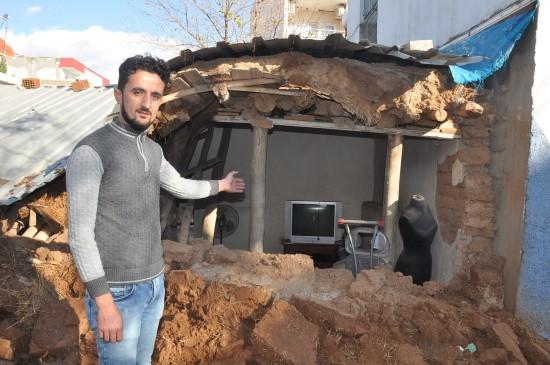 Ceylanpınar'da şiddetli yağış nedeniyle ev çöktü
