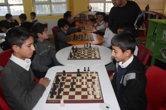 Siverek'te Ortaokul öğrencileri arasında Satranç Turnuvası başladı