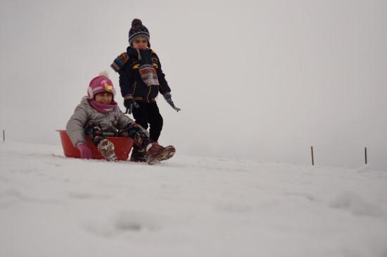 Karacadağ Kayak Merkezi'nde kayak sezonu açıldı