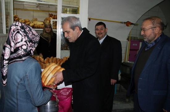 Haliliye'de ihtiyaç sahibi ailelere yardım yapıldı