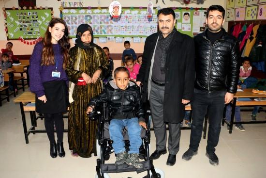 Şanlıurfalı küçük Ahmet'in tekerlekli sandalye sevinci