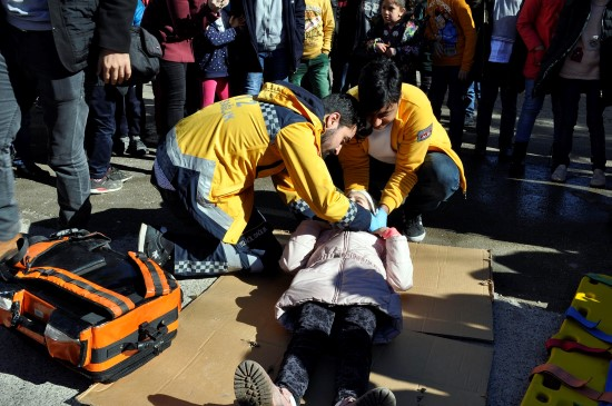 Şanlıurfa'da öğrencilere yönelik deprem ve yangın tatbikatı yapıldı
