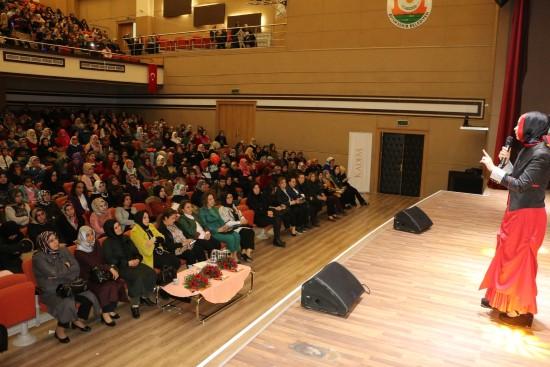 'Göbeklitepe'de kadının ışığı' konferansı yapıldı