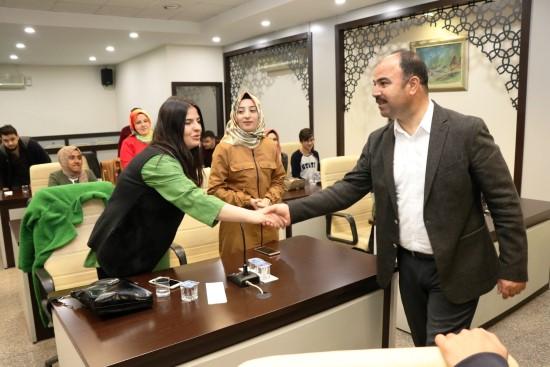 Nihat Çiftçi Büyükşehir Belediyesi gençliği ile bir araya geldi