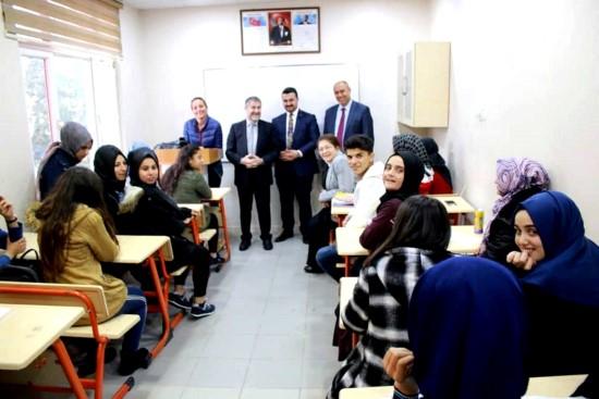 AK Parti İl Başkanı Bahattin Yıldız seçim çalışmalarını sürdürüyor