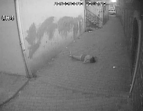 3. kattan düşen kızın düşme anı güvenlik kamerasına yansıdı