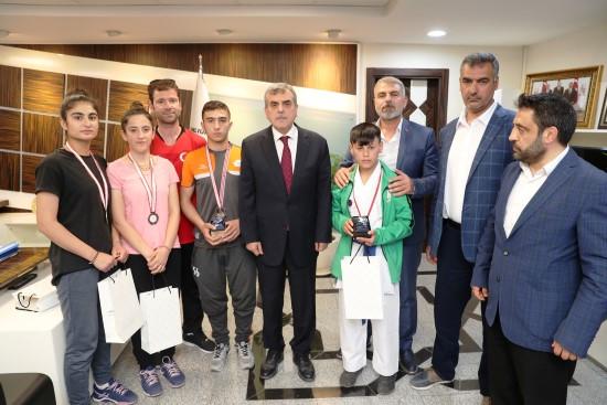 Şanlıurfa'da sporcular ulusal platformlarda ödüller topluyor